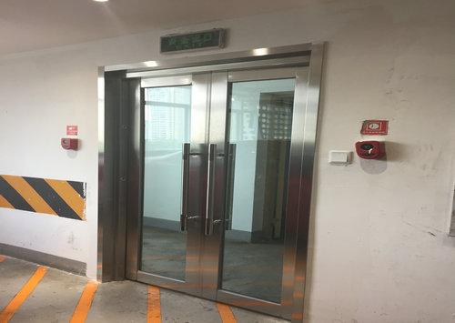 地下停车场防火玻璃门