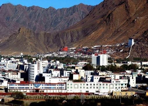 西藏日喀则市仁布县公安局看守所单向透